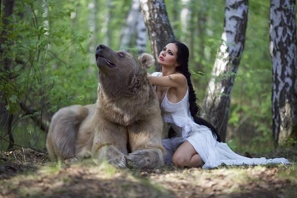 Певица и актриса Елена Галицына презентовала необычную книгу для детей и их родителей