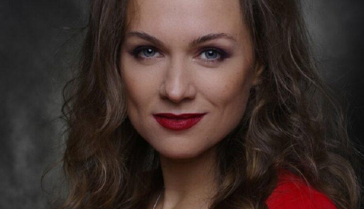 Анна Роскошная: « Не люблю, когда актеры спекулируют на своей профессии»