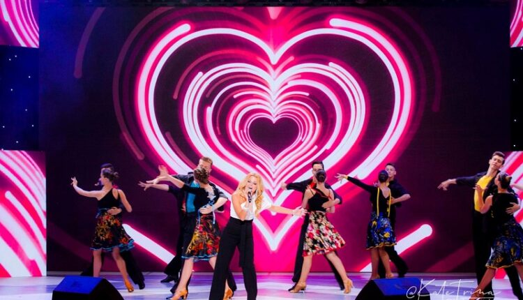 Великобритания впервые за всю историю фестиваля была представлена в жюри. В состав коллегии детского конкурса на фестивале «Славянский базар» вошла британская певица Alexa Pol