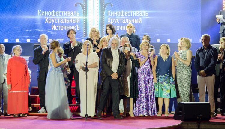 Актер Пьер Ришар посетил фестиваль «Хрустальный источникЪ»