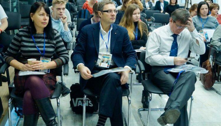Эксперт Александр Харитонов: ТВ сильнее остальных СМИ влияет на человеческую психику