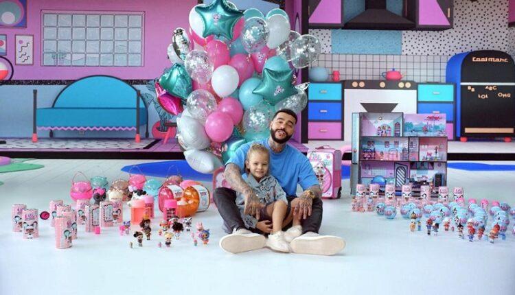 Новый клип Тимати и Алисы: Главный хит в стране сегодня – это куклы ЛОЛ!
