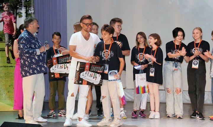 С Всероссийского Фестиваля визуальных искусств все дети уехали домой с подарками